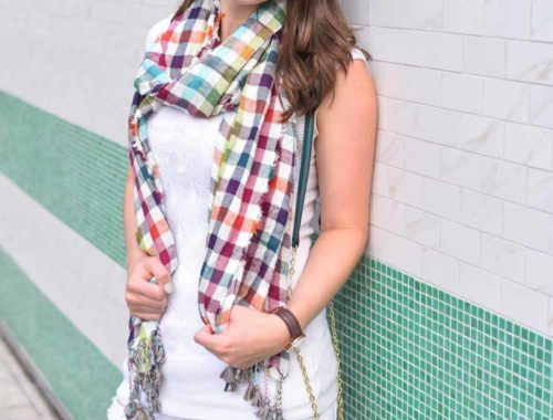 How to wear a scarf in Texas