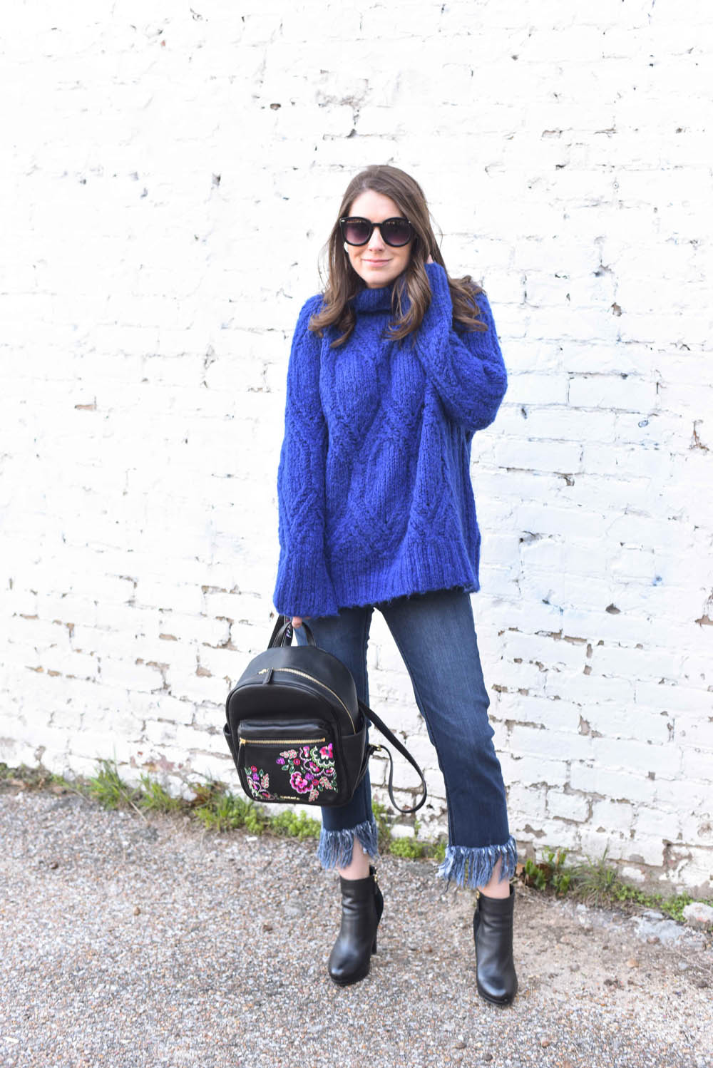 Oversized Blue Sweater - BNB styling